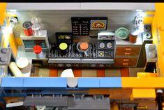 Cyberpunk Food Stall Last Shot, Food Stall, Lego Moc, Legos, Cyberpunk, The Originals, Lego Stuff, Diorama, Star Wars