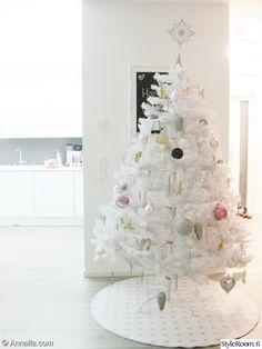 vaalea,valkoinen,joulu,joulukuusi,joulukoriste