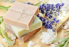 Making Homemade Skin Care Products as Gifts Low Carb Diets, Homemade Skin Care, Diy Skin Care, Lotion Recipe, Homemade Soap Recipes, Homemade Bar, Homemade Scrub, Skincare Blog, Make Beauty