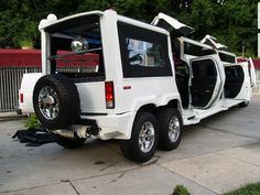 Hummer H2 Stretch Limo I just came across this unique awesome fancy car. Check out more on this internet page
