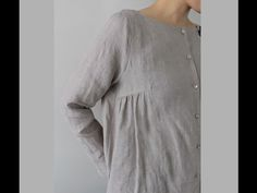 Linen blouse - I wonder if you could take any bust dart and add gathers to it. Look Fashion, Womens Fashion, Fashion Design, Latest Fashion, Fashion Trends, Moda Casual, Linen Blouse, Linen Tunic, Mode Vintage