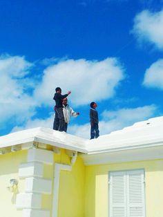 Roof-top kite flying, Bermuda