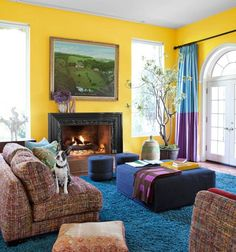 Si eres una persona que crea sus propias reglas, prueba combinar colores fuertes como el amarillo, azul y violeta para darle mas energía a tu depa. #adondevivir