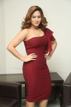 Actress NikeshaPatel latest HD Images Hollywood Actress Photos, Hollywood Heroines, Tamil Actress Photos, Indian Film Actress, Indian Actresses, Nikesha Patel, Oscar Dresses, South Actress, Russian Models