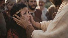 Jésus a utilisé l'analogie de la paille et de la poutre pour expliquer qu'il ne faut pas juger les autres. Si nous jugeons quelqu'un et...