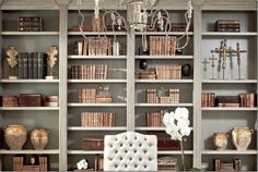 Bookshelves color and styling