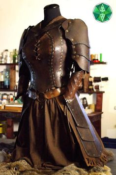 """Female Armor / Corset """"Cybele Full Set"""" Larp Original Cosplay Costume - The Cybele armor set includes: – the Cybele corset with 3 shoulders – a pair of Ulysses bracers - Leather Armor, Leather And Lace, Leather Tooling, Costume Original, Larp Armor, Cosplay Armor, Sith Armor, Daedric Armor, Steampunk Armor"""