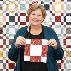 This stylish quilt is an easy DIY sewing project that is perfect for that layer cake (package of 10 fabric squares) youve been saving! Jenny Doan added a few rows and columns to Me Layer Cake Quilt Patterns, Layer Cake Quilts, Patchwork Quilt Patterns, Fabric Squares, Easy Quilt Patterns Free, Quilt Square Patterns, Crazy Patchwork, Quilting Fabric, Charm Square Quilt