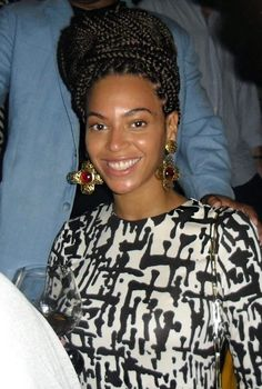 Still looking stunning with a shiny face and no make up!  Beyonce during her visit to the restaurant in Havana, Cuba