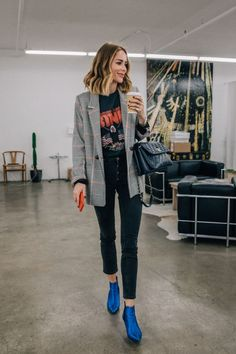 Source by maadeewithlove blazer outfit Looks Chic, Looks Style, Casual Looks, Look Blazer, Plaid Blazer, Check Blazer, Mode Ootd, Urban Fashion Trends, Urban Fashion Women