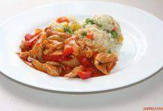 Cartofi gratinati la cuptor cu branza, cascaval, sunca, oua si smantana Thai Red Curry, Ethnic Recipes, Food, Essen, Meals, Yemek, Eten