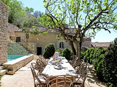 Terrace on the souh of france with a swimming pool / L'atmosphère brute et… French Country House, French Farmhouse, Outdoor Rooms, Outdoor Living, Stone Houses, Outdoor Settings, Architecture, My Dream Home, Terrace