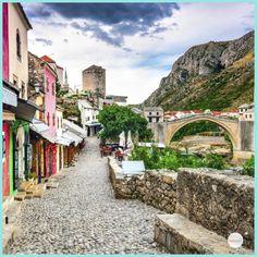 Village de rêve en Europe : voici 10 villages de contes de fées à découvrir Destinations, Voici, Beautiful Places, Places To Visit, Villa, Travel, Culture, Blog, Fashion