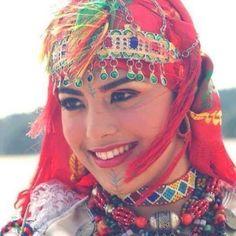 Amazigh-Woman-Morocco.jpg (525×525)
