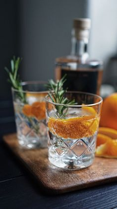Classic Ox & Studs Gin & Tonic with orange zest Fragrant Cocktail Recipes and Inspiration For Karen Gilbert Tonic Cocktails, Cocktail Drinks, Cocktail Recipes, Alcoholic Drinks, Drinks Alcohol, Beverages, Cocktail Photography, Food Photography, Product Photography