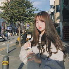 Cute Korean Girl, Cute Asian Girls, Cute Girls, Korean Bangs Hairstyle, Hairstyles With Bangs, Korean Winter Outfits, Uzzlang Girl, Korea Fashion, Hair Styles