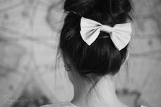 Does this look chic or just strange? My Hairstyle, Bun Hairstyles, Pretty Hairstyles, Wedding Hairstyles, Bridesmaid Hairstyles, Hipsters, Cute Bows, Favim, Look Chic