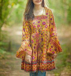 Asian Wedding Dress Pakistani, Simple Pakistani Dresses, Simple Dresses, Cute Dresses, Casual Dresses, Indian Dresses, Boho Summer Outfits, Casual Fall Outfits, Casual Wear