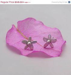 ON SALE 20% OFF Flowers Stud Earrings; Sterling Silver Flower Posts; Silver Earrings; Tiny Flower Earrings; Daisy Stud Earrings; Everyday Ea