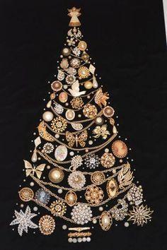 Christmas Jewelry, Christmas Art, Vintage Christmas, Beautiful Christmas, Costume Jewelry Crafts, Vintage Jewelry Crafts, Vintage Costume Jewelry, Jeweled Christmas Trees, Xmas Trees