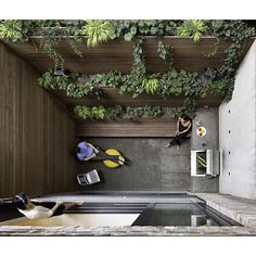 """2,214 curtidas, 19 comentários - Dwell (@dwellmagazine) no Instagram: """"Making the most of a 90-square-foot patio in Manhattan.  Photo by Chris Cooper @ccooperny  #dwell…"""""""