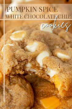Pumpkin Spice Cookie Recipe, Best Homemade Cookie Recipe, Best Cookie Recipes, Pumpkin Recipes, Fall Recipes, Yummy Recipes, Baking Recipes, Chocolate Chip Cookies Ingredients, White Chocolate Chip Cookies