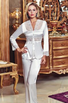 Jeremi 449 6 Pcs Satin Robe Set will make you redefine comfort when you wear this cozy and stylish set. Pyjama Satin, Satin Sleepwear, Satin Pajamas, Sleepwear Women, Nightwear, Jolie Lingerie, Women Lingerie, Nightgowns For Women, Lingerie Collection