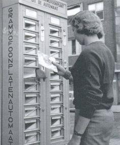 45 rpm record vending machine!