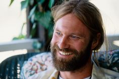 Aaron Eckhart as George in Erin Brockovich got me with his beard. Cutie :) <3