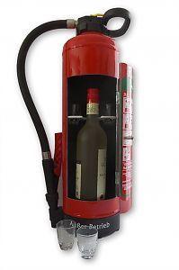 Feuerlöscher für Flasche mit Gläsern