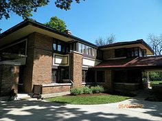 Edward P. Irving House. Frank Lloyd Wright. 1909. Prairie Style. Supervised by Marion Mahony, Hermann von Holst and Walter Burley Griffin. Decatur, Illinois.
