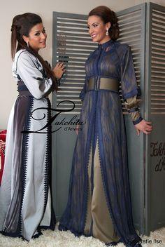 The blue && gold kaftan is phenomenal Arab Fashion, Islamic Fashion, Muslim Fashion, Morrocan Dress, Moroccan Caftan, Caftan Gallery, Muslim Dress, Caftan Dress, Oriental Fashion