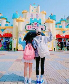 Images and videos of ulzzang couple Ulzzang Couple, Ulzzang Boy, Paris Couple, Sweet Hug, Korean Best Friends, Korean Couple, Korean Aesthetic, Couples Images, Photo Couple