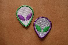 Patch 100% bordado. Acabamento manual.alien et . www.facebook.com/PatchesDonaRamona