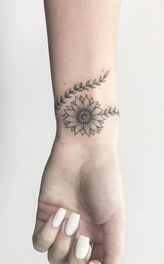 62 different women's wonderful arm tattoo designs - Page 47 of 62 - BEAUTIFUL LI. - 62 different women's wonderful arm tattoo designs – Page 47 of 62 – BEAUTIFUL LIFE - Subtle Tattoos, Small Tattoos, Mini Tattoos, Elegant Tattoos, Shape Tattoo, Floral Tattoo Design, Tattoo Floral, Sunflower Tattoos, Sunflower Tattoo On Wrist