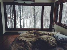 Dark&cozy bedroom