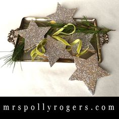 Click here to DIY Last Minute Holiday Decorating Ideas.  Blog, Template & Video Glitter Stars from MrsPollyRogers.com