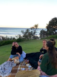 Can we have a picnic together? Best Friend Pictures, Friend Photos, Cute Friends, Best Friends, Teenager Boys, Good Vibe, Summer Goals, Summer Dream, Summer Aesthetic