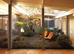 @Kristy LeBlanc regardless of what style we go for... we need to do an eichler style atrium. boom.