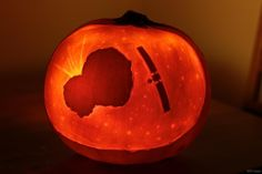 "Will Gater carved a pumpkin with Rosetta and the comet. ""Hope the next few weeks don't include any frights for [ESA, Rosetta & Philae]!"" 2014-10-31"