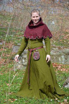 Vackra medeltidskläder.