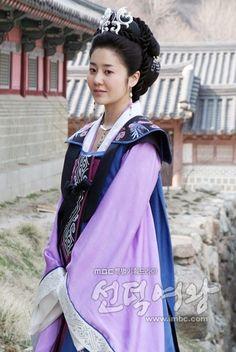 Queen Seondeok(Hangul:선덕여왕;RR:Seondeok Yeowang) is a…