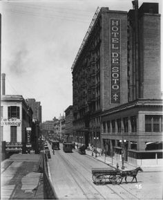Baronne and Poydras, 1924