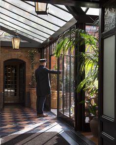Conoce la estación de bomberos restaurada en hotel en manos de André Balazs.