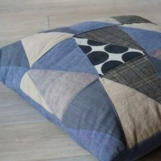 Kissenbezug aus Stoffresten und Jeans / Pillowcase made from jeans and scraps of…