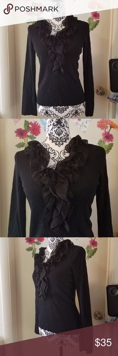 "OSCAR AN OSCAR DE LA RENTA Ruffled Blouse M EUC OSCAR AN OSCAR DE LA RENTA COMPANY Ruffled Long Sleeve Blouse Women Black M Excellent Used Condition   Beautiful long sleeve ruffled blouse  68% Rayon  32% Nylon  Measurements:  Length: 22"" in Bust: 18"" in  Thank you for looking!  S-T07 Oscar de la Renta Tops Blouses"