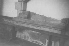 dalle funéraire de Tristan de Coëtmen, sieur de Boisguezennec, Bretagne ; Côtes-d'Armor ; Louannec