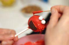 Elmo cake pops... Sounds pretty easy to make!