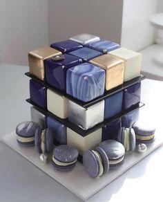 Eckige Torten – Ein toller Trend aus der Hochzeitswelt Square pies – A great trend from the wedding world cake Elegant Birthday Cakes, Beautiful Birthday Cakes, Beautiful Cakes, Amazing Cakes, Fancy Desserts, Fancy Cakes, Mini Cakes, Cupcake Cakes, Macaron Cake