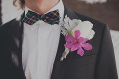 colorful bowtie & modern floral bout | roey mizrahi events and amber gress photography